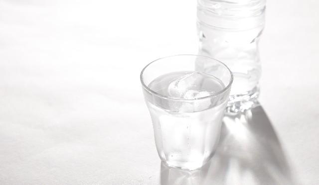 【普段の飲料水で健康に】水素水って何だろう?