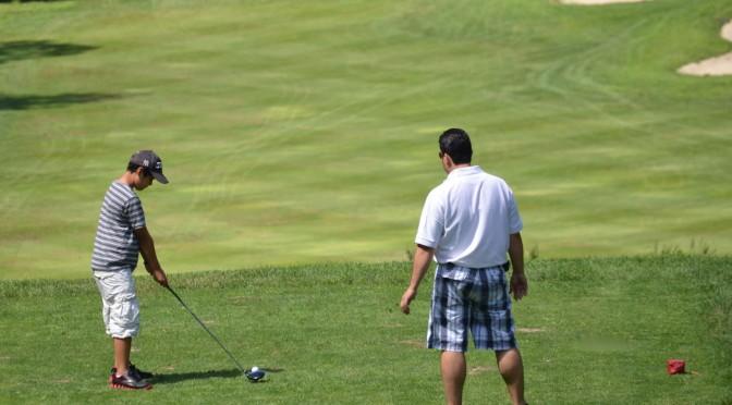 ゴルフにもってこいの季節!デビューにかかるお金は?