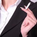 【恐怖】タバコを吸うとおっぱいが小さくなる?喫煙とバストの意外な関係
