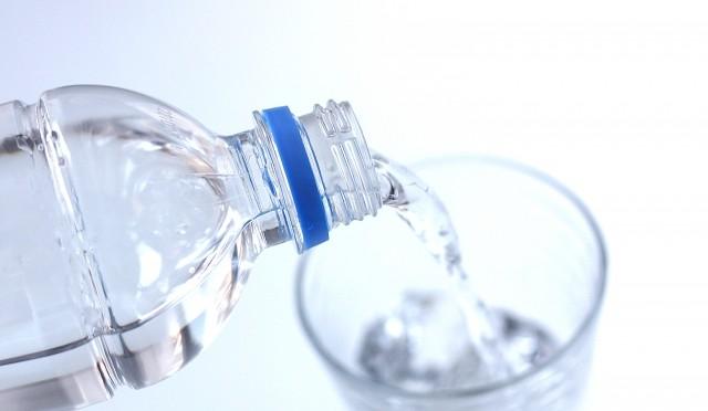 水を飲むだけで痩せる?知っておきたいダイエット効果を左右する飲み物